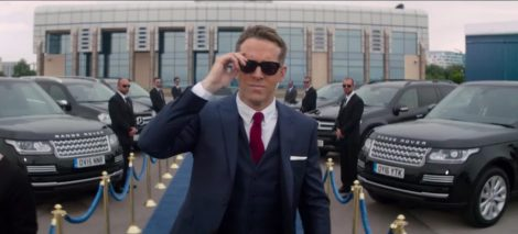 Sunglasses-Ryan-Reynolds-in-The-Hitmans-Bodyguard-2017.jpg